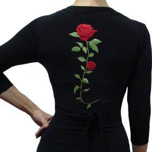 Manguito preto com flor vermelha