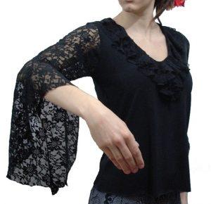 Blusa begônia manga em renda evasé preta