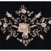 Xale espanhol triangular preto com flores e franja marfim 160x75cm